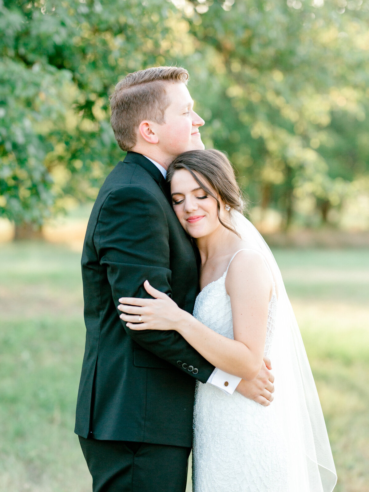 Anna & Billy's Wedding at The Nest at Ruth Farms | Dallas Wedding Photographer | Sami Kathryn Photography-12