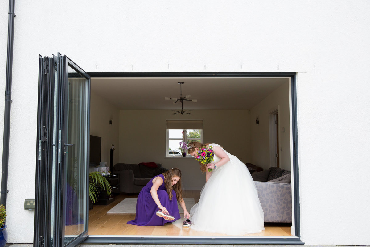 bride and her sister at home in devon