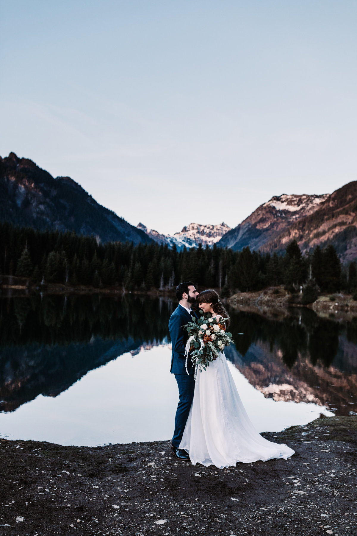 Oregon_elopement_Gold_Creek_pond_Adventure_wedding_photography (386 of 793)