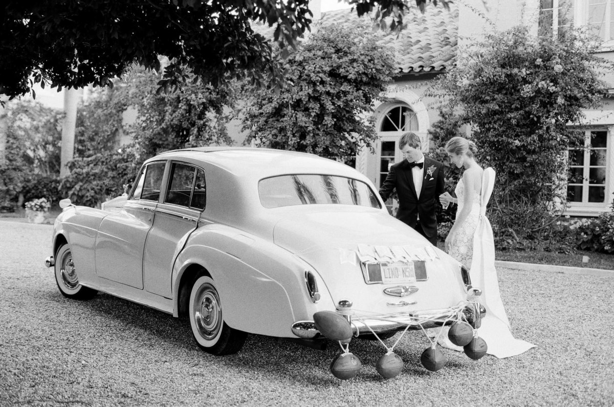 47-KTMerry-weddings-vintage-car-Palm-Beach-black-white