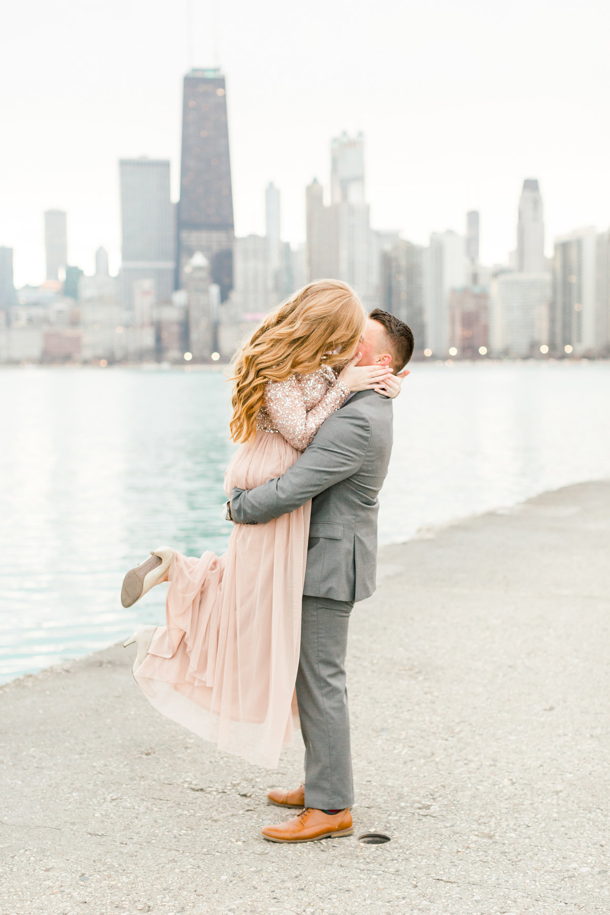 lindsey-taylor-photography-north-avenue-beach-chicago-engagement-photographer18