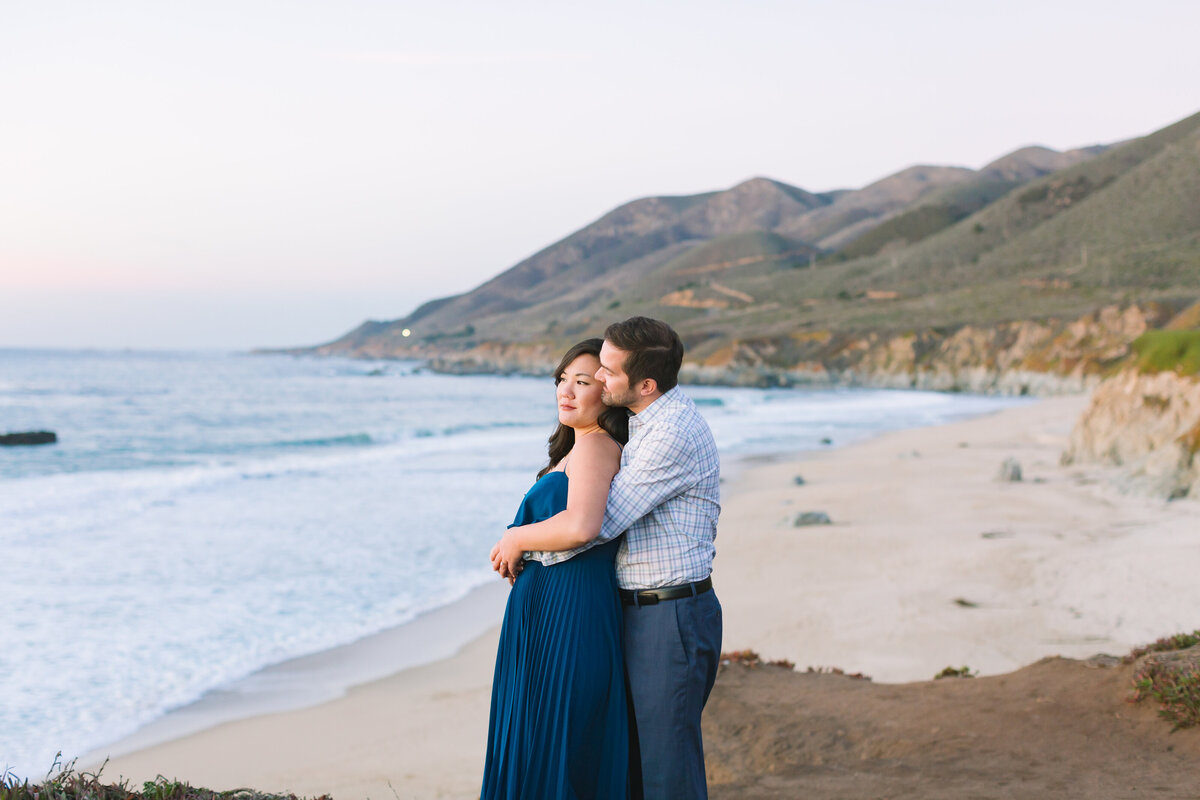 Couple elopes at sunset in Big Sur