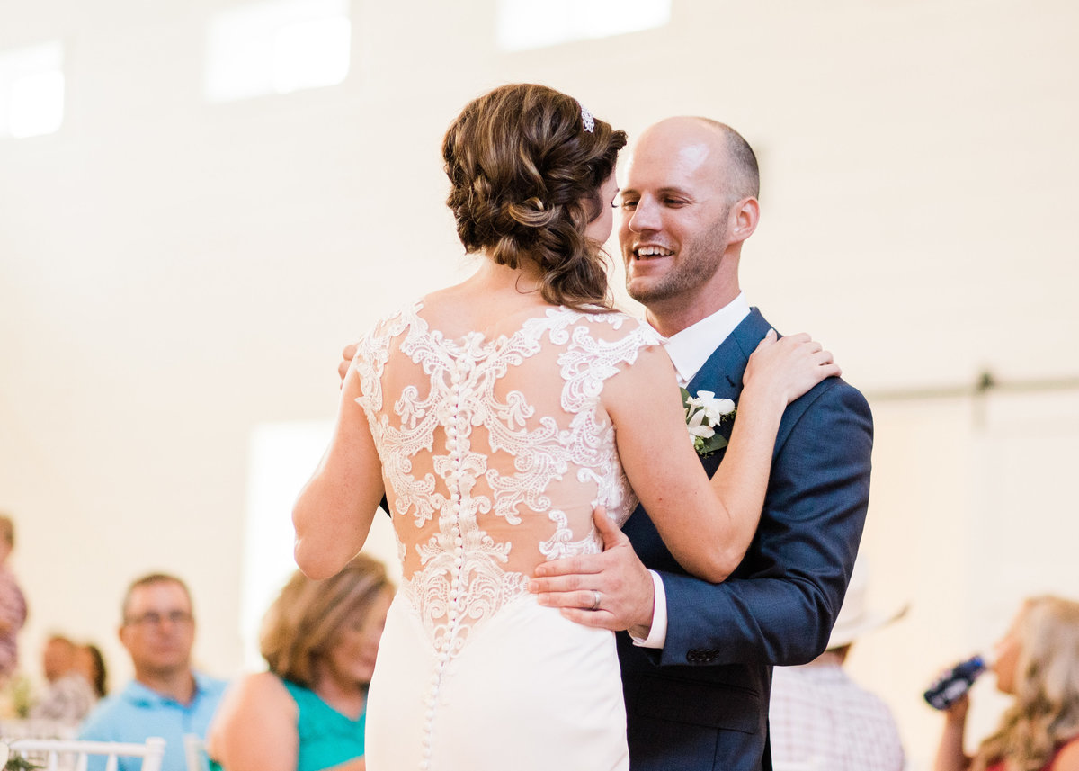 Wedding first dance to Speechless by Dan and Shay / Katie Childs Photo