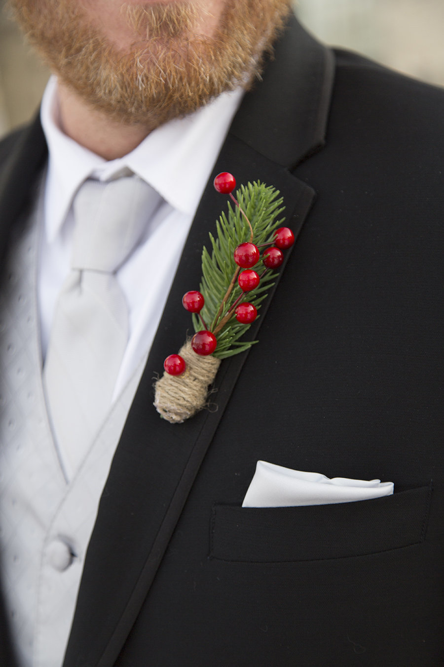 Ashley&JasonWedding Brillion Appleton wedding preview love story pine comb berry wedding christmas wedding red and green wedding winter wedding appleton wedding photographer15