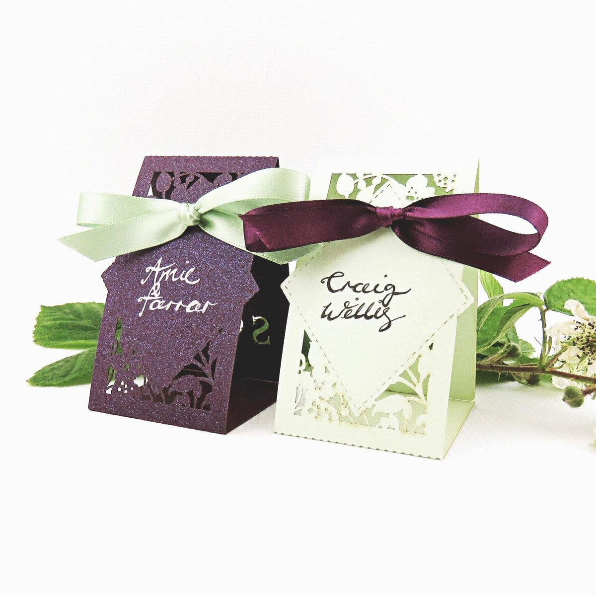 brambles_wedding_place_cards