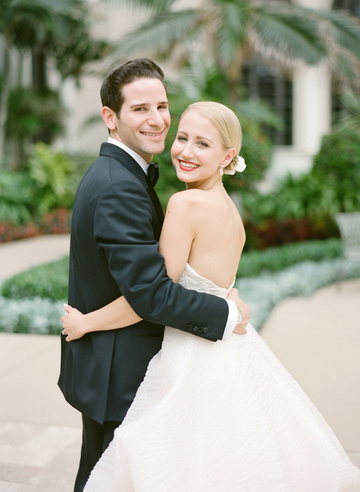 17-KTMerry-weddings-pre-ceremony-portrait-Palm-Beach