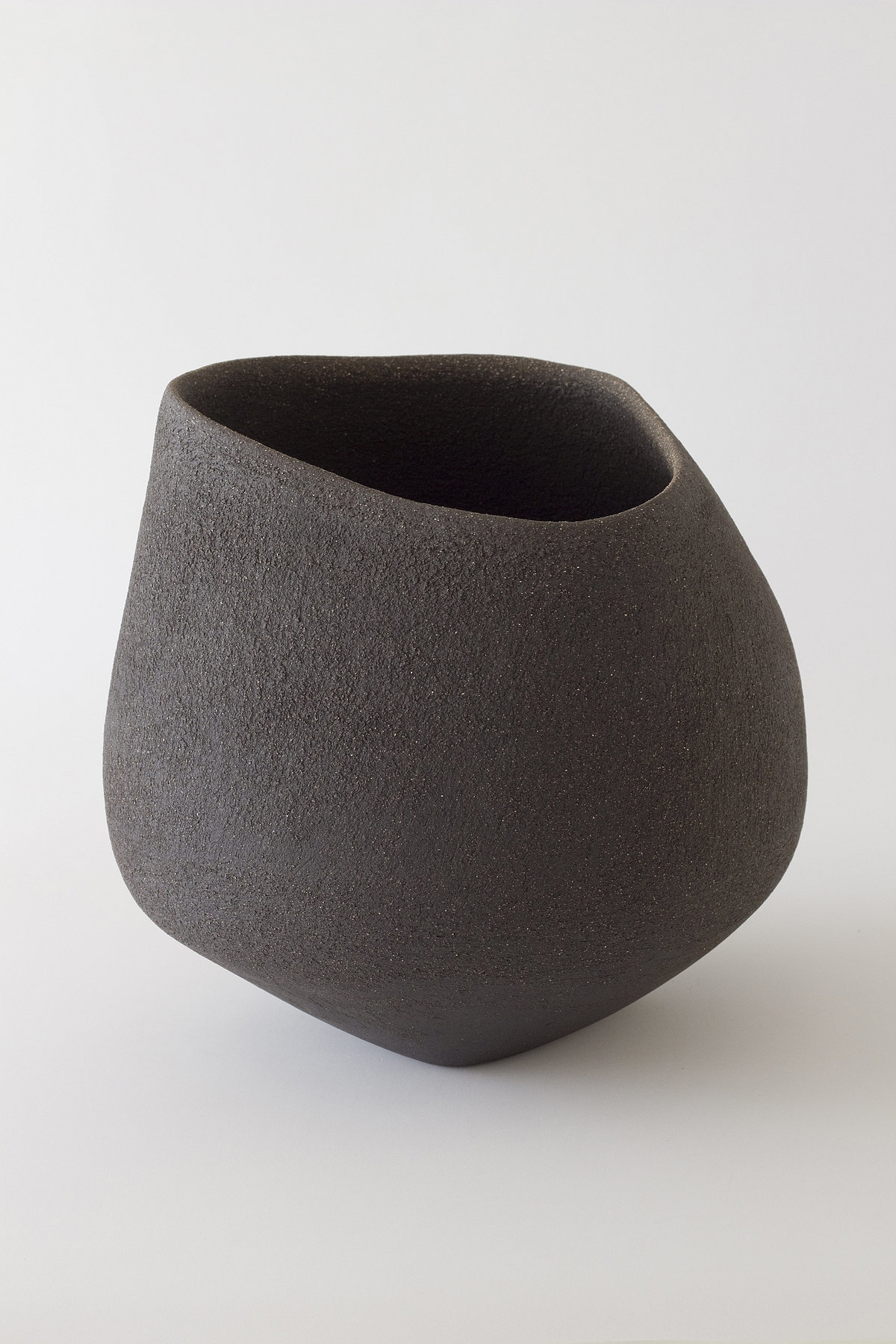 Yasha-Butler-Ceramic-Sculpture-Bowl-Black-Brown-Lithic_2-3500px