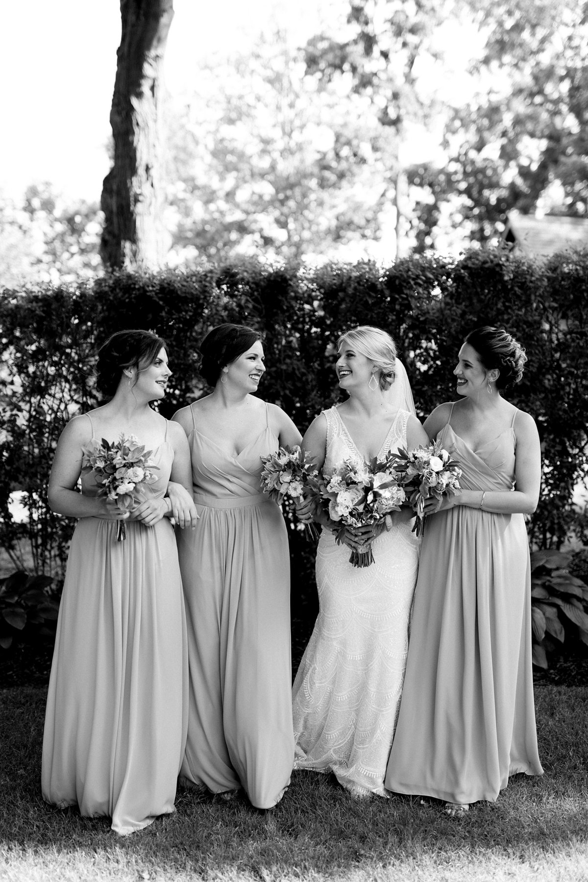 Julie-Barry-English-Inn-Summer-Garden-Wedding-Michigan-Breanne-Rochelle-Photography45