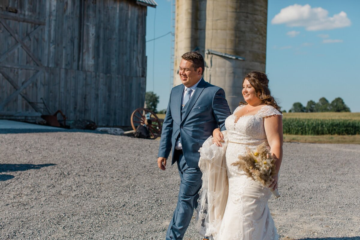 laura-ben-campbell-farm-white-lake-wedding-grey-loft-studio-2020-135