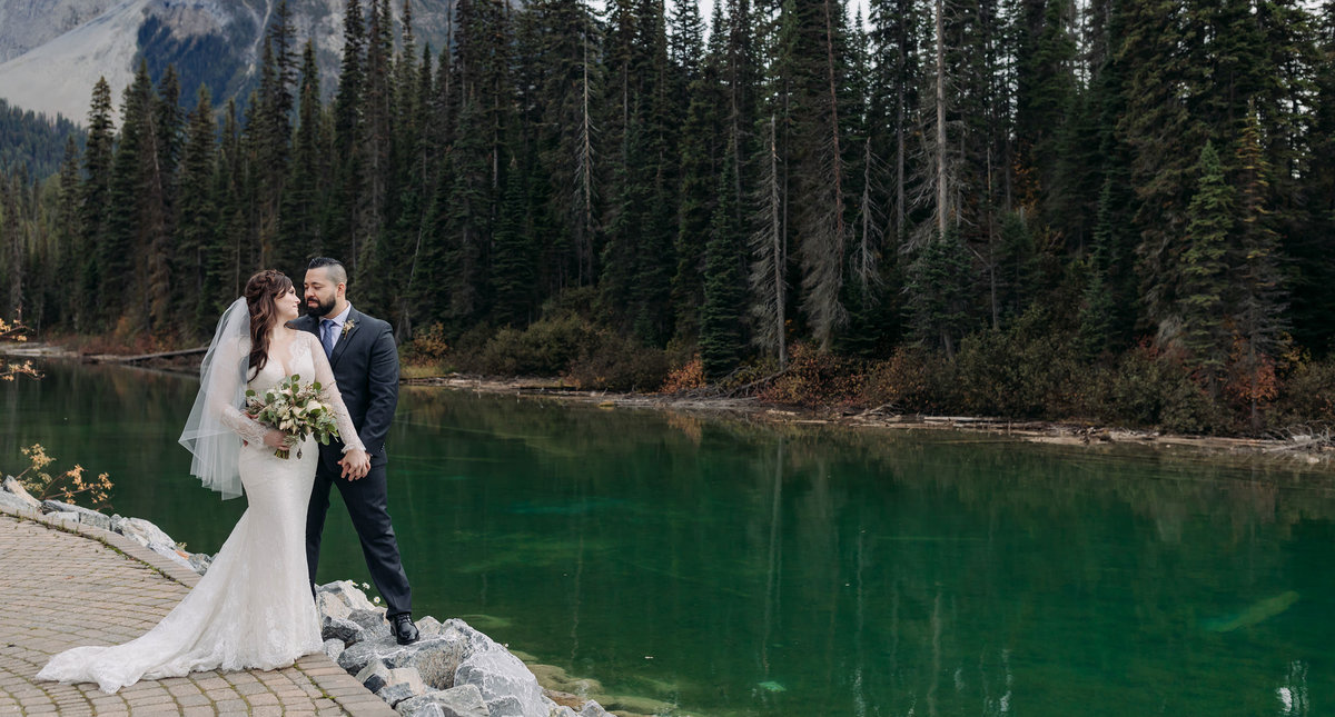 cilantro patio emerald lake lodge wedding photos