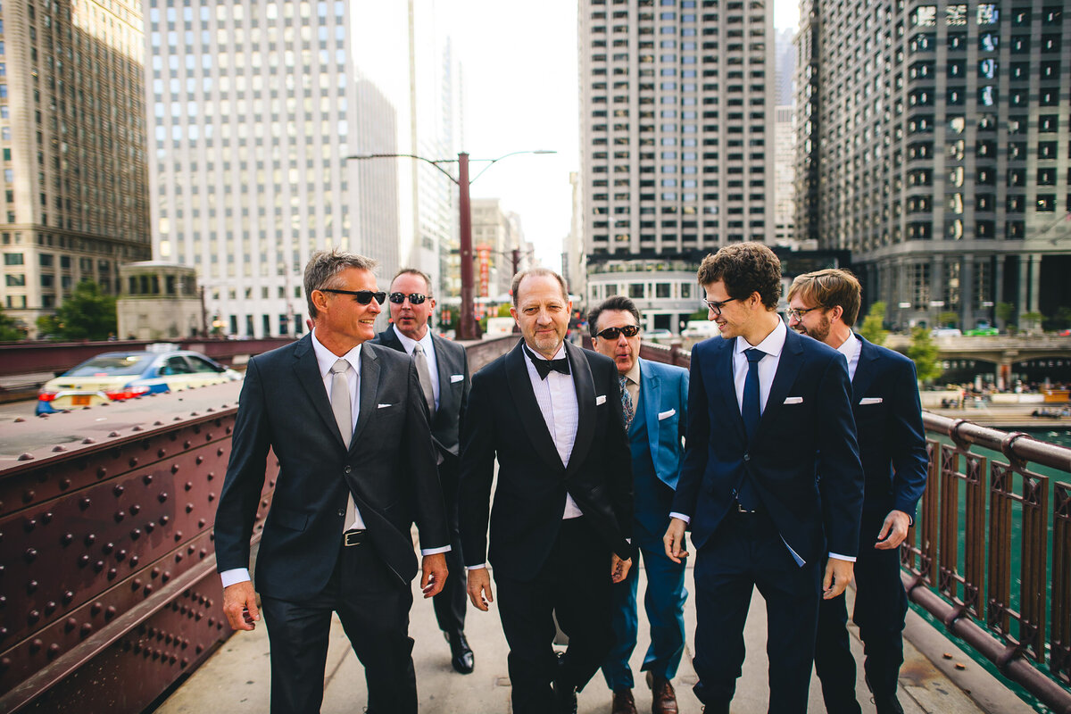 gps-dunning-wedding-chicago-athletic-club-walking-around-city-group