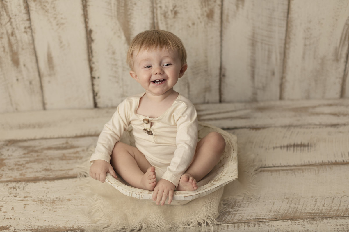 ashley wilder photography southern indiana bloomington bedford one year cake smash milestone cute baby boy_0123