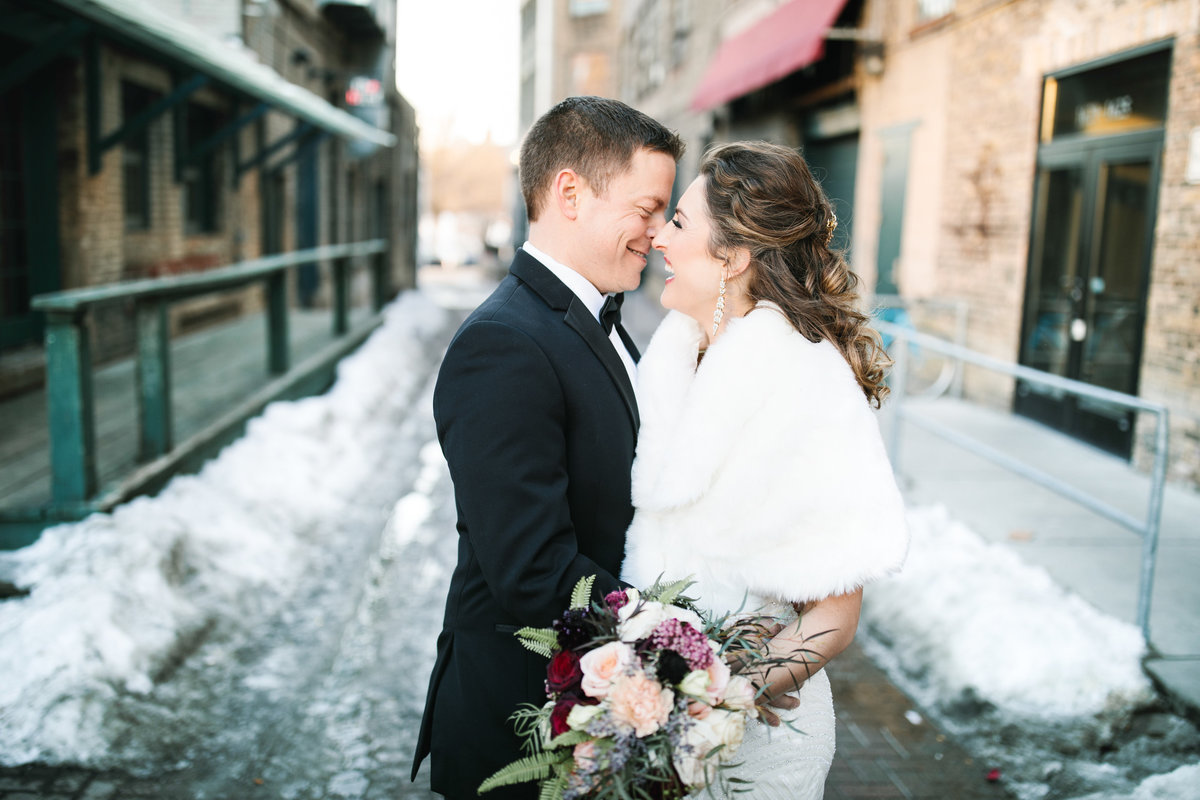 semple-mansion-february-winter-minneapolis-wedding-40