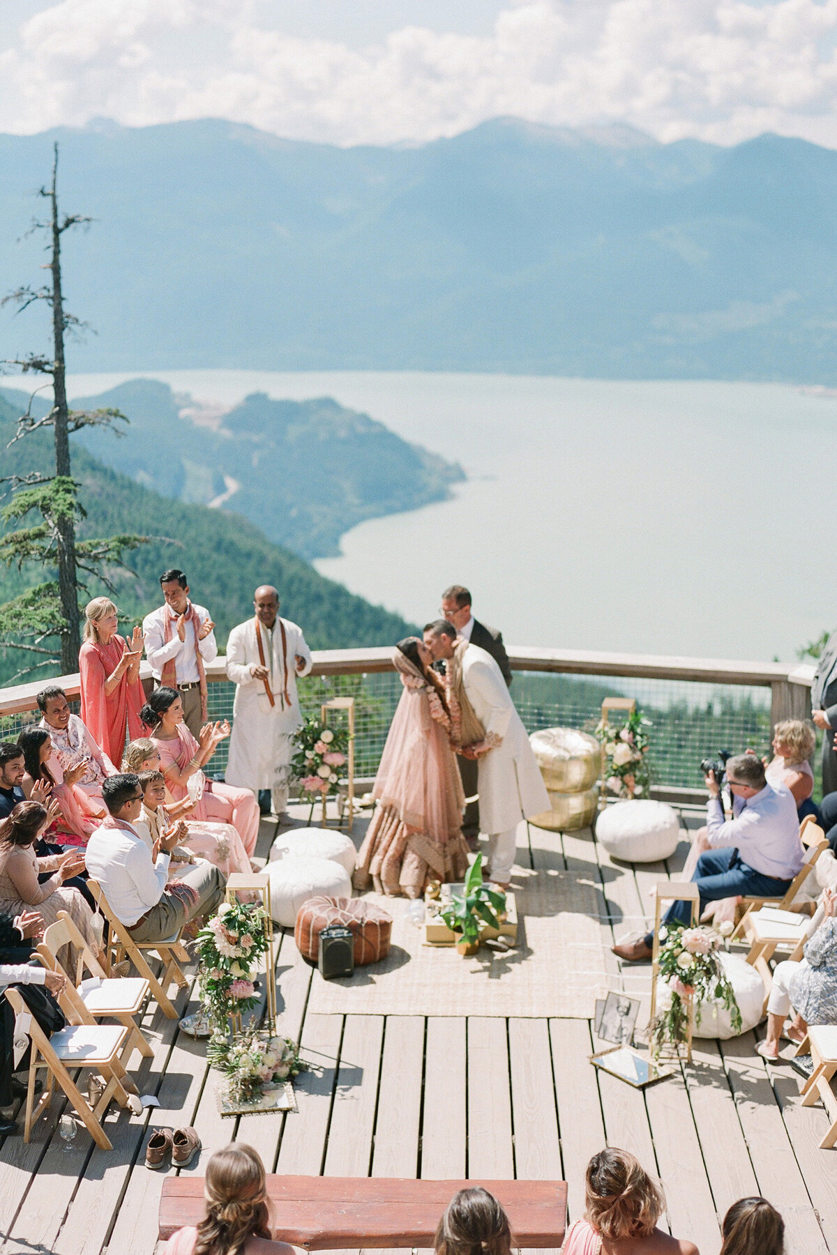 modern - moroccan -boho - hindu - ceremony - mountains (14)