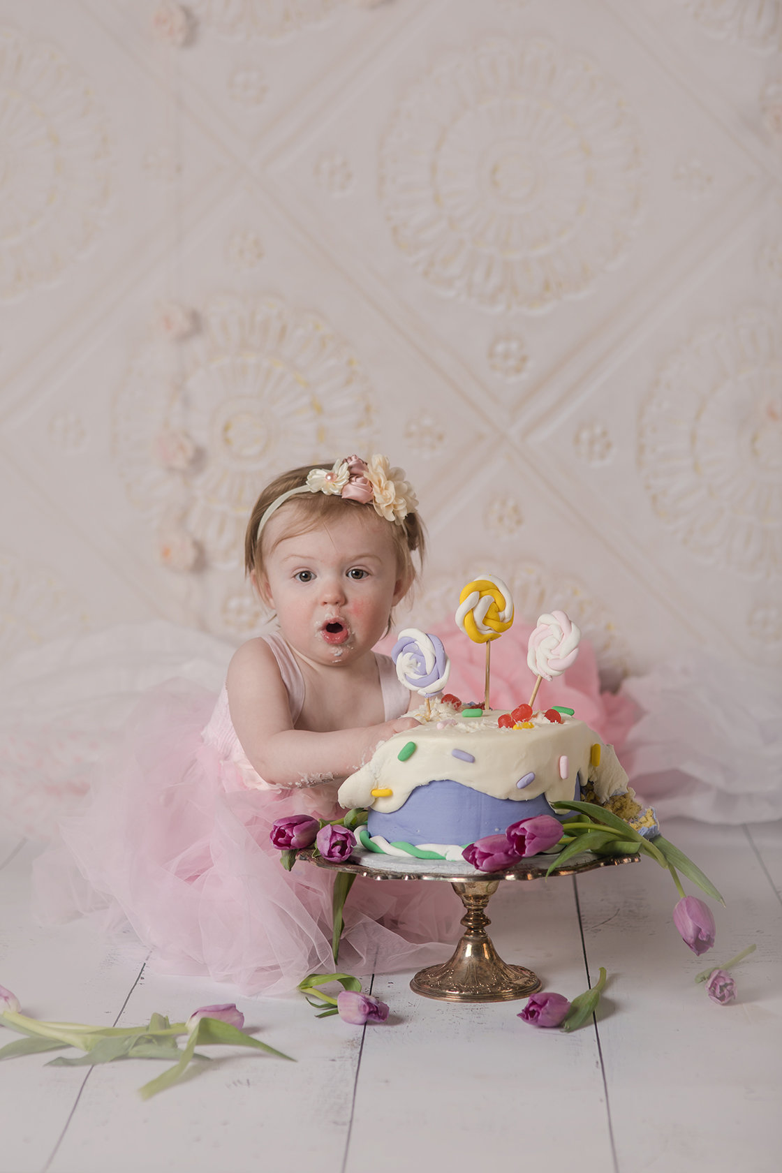 little girl cake smash