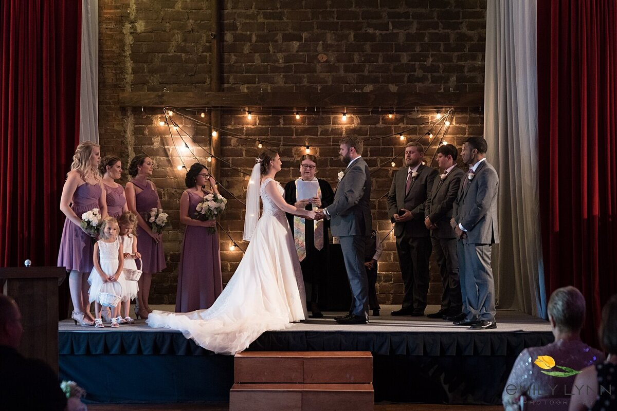 Wedding-Photos-at-the-Vox-Theatre-KC-Wedding-Photographer-Emily-Lynn-Photography_0099