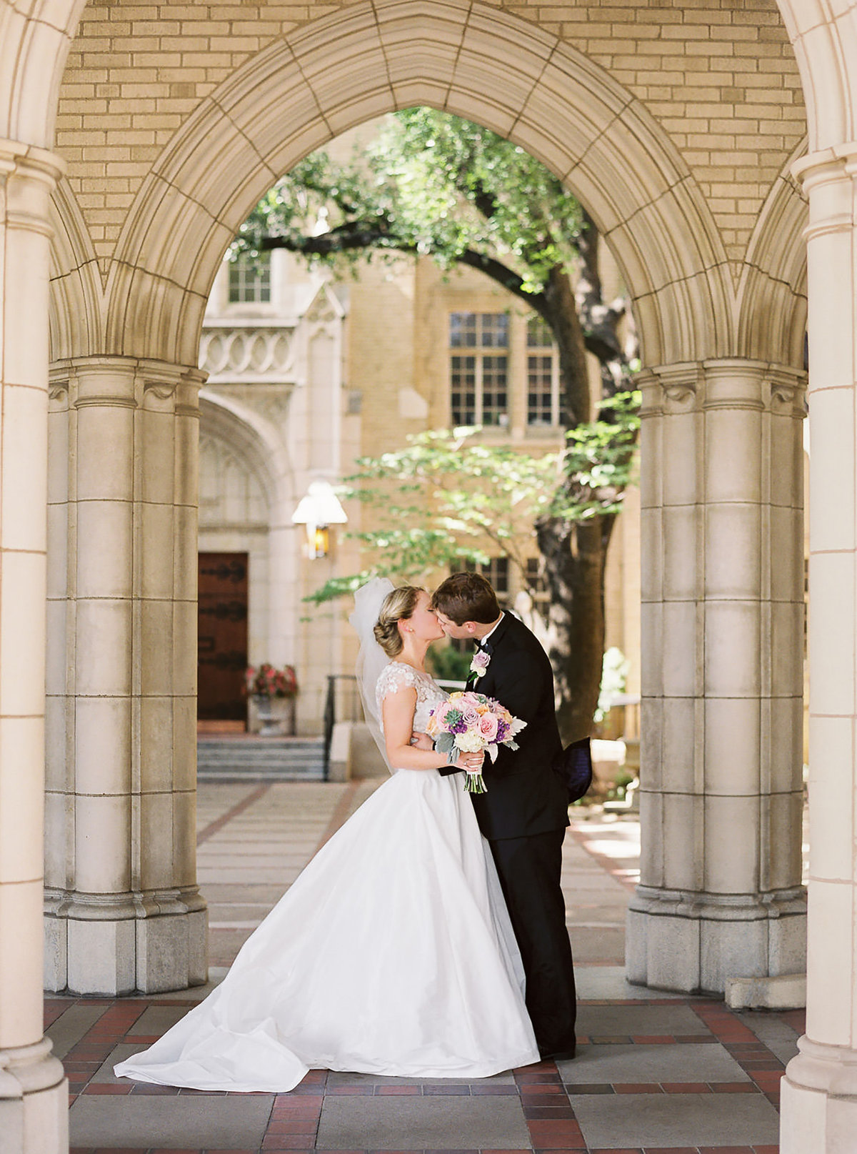 wedding couple church kiss forth worth methodist