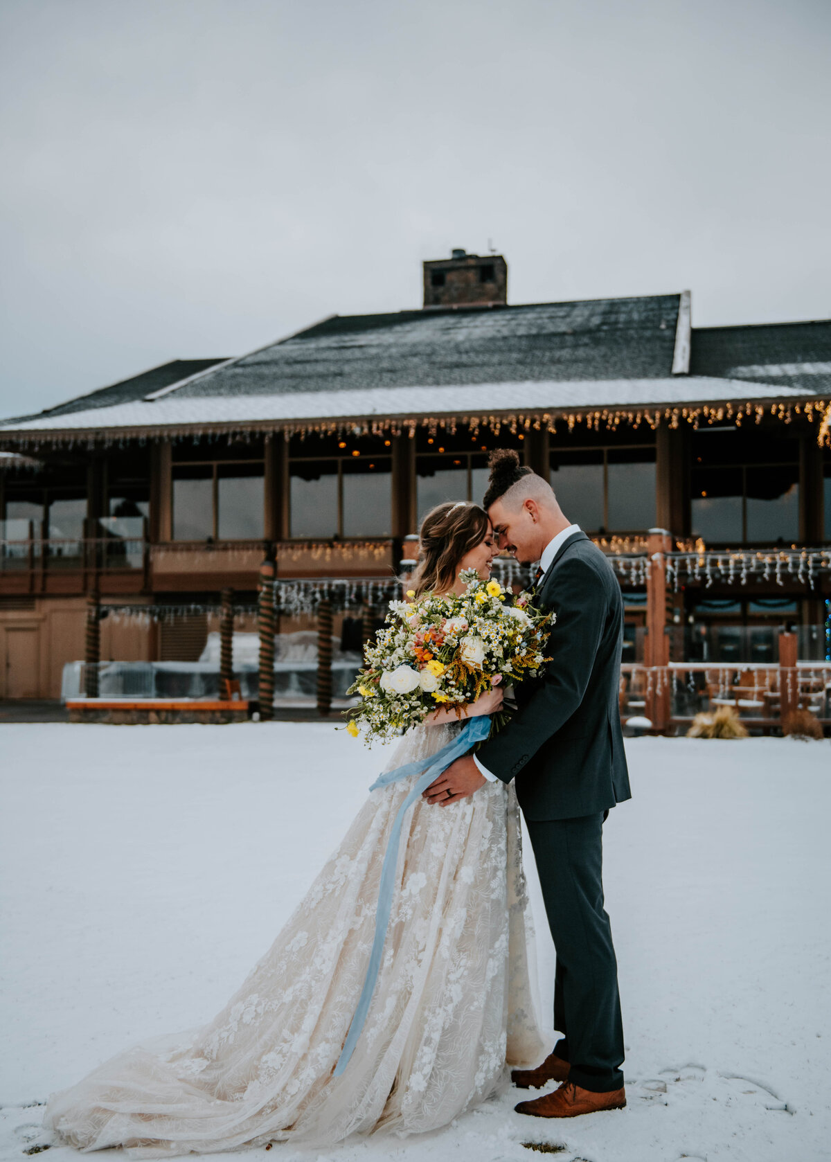sunriver-resort-oregon-wedding-venue-christmas-elopement-photographer-destination-1655