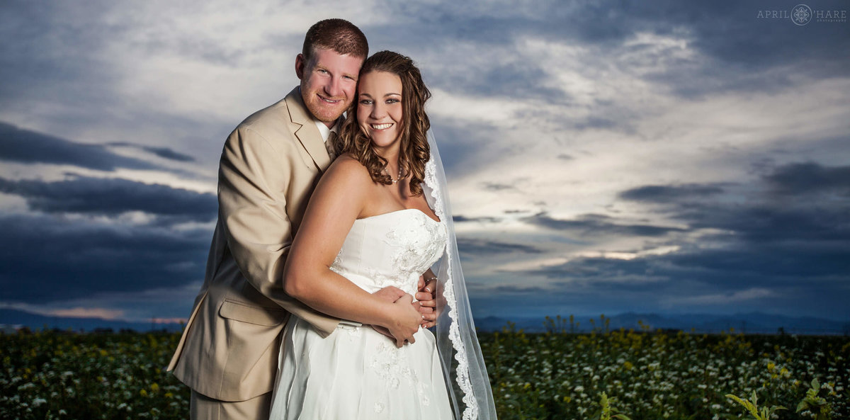 Gorgeous-Colorado-Farm-Wedding-Portrait-at-Sunset