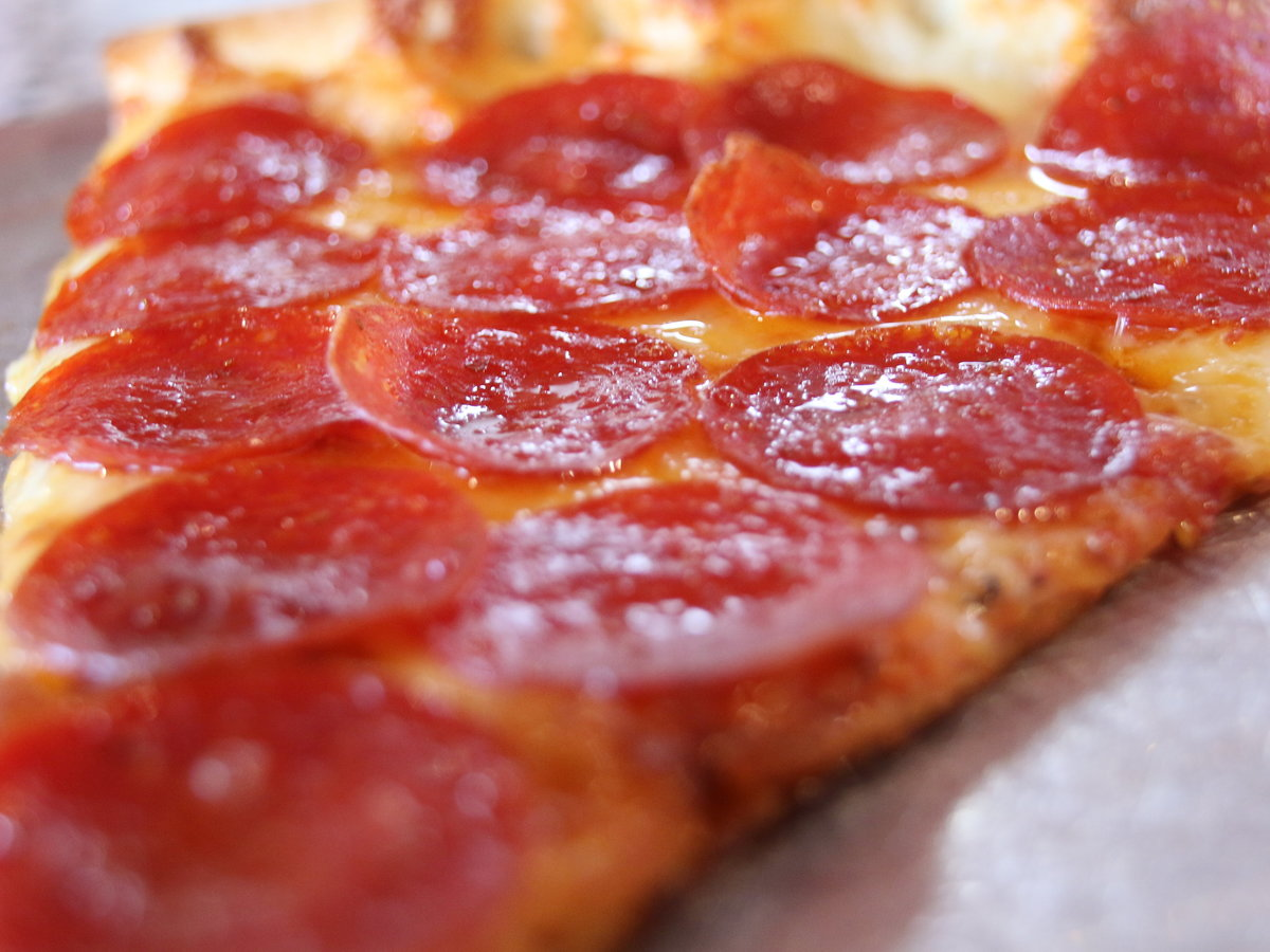 New-York-style-pepperoni-pizza_lyndalouisphotography_0252