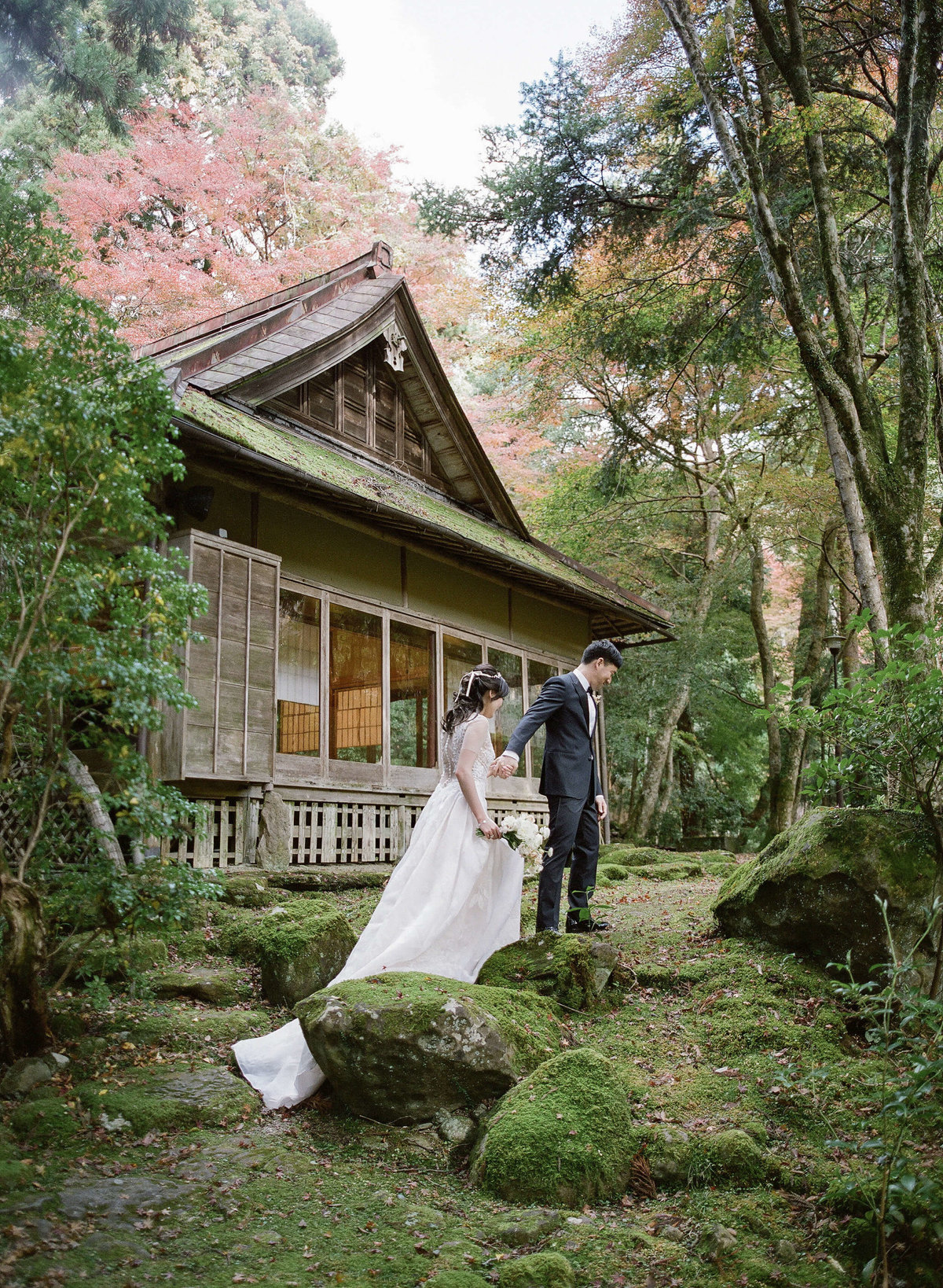 14-KTMerry-weddings-bride-groom- japan