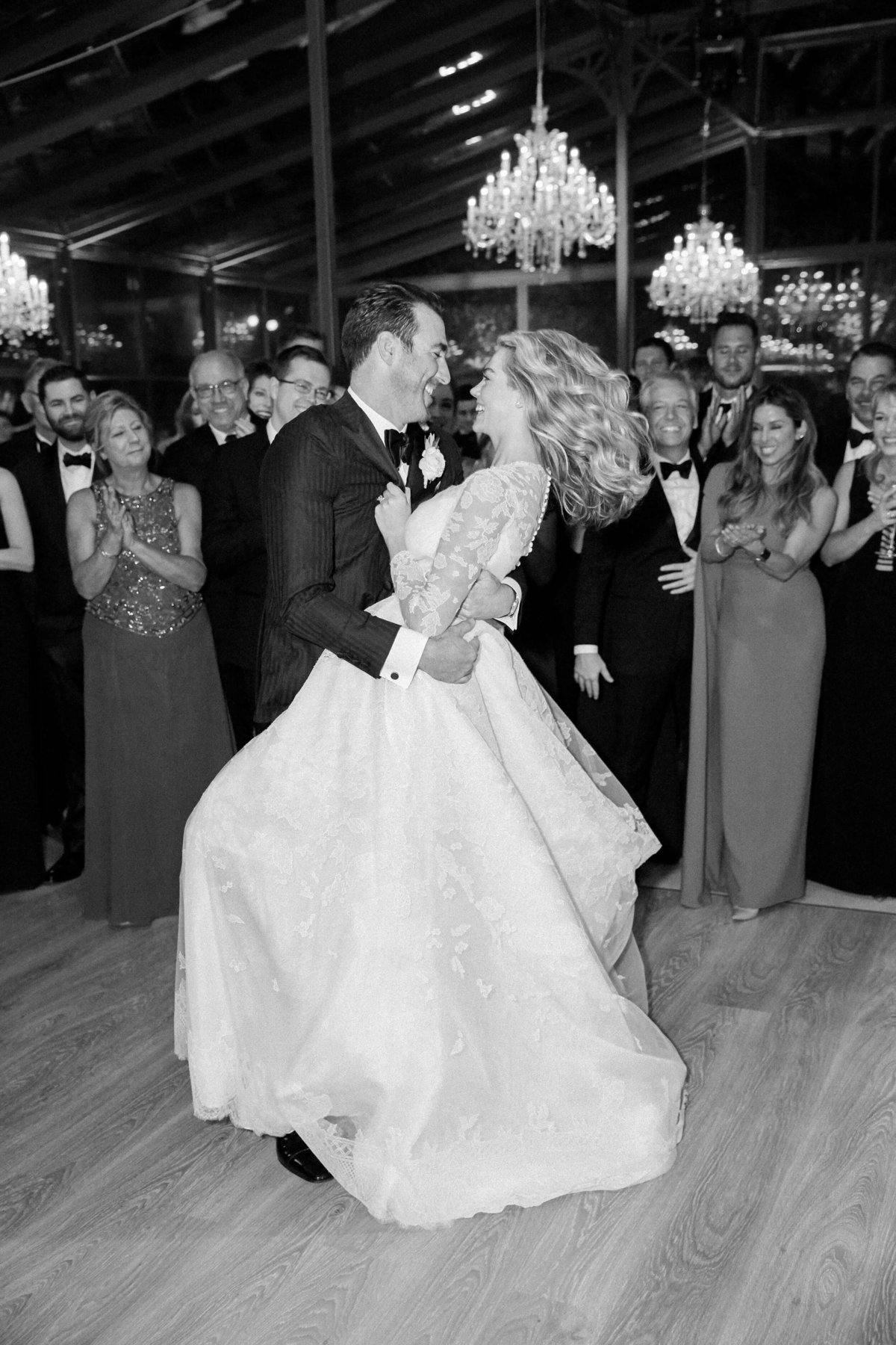 36-KTMerry-weddings-Kate-Upton-Justin-Verlander-dancing