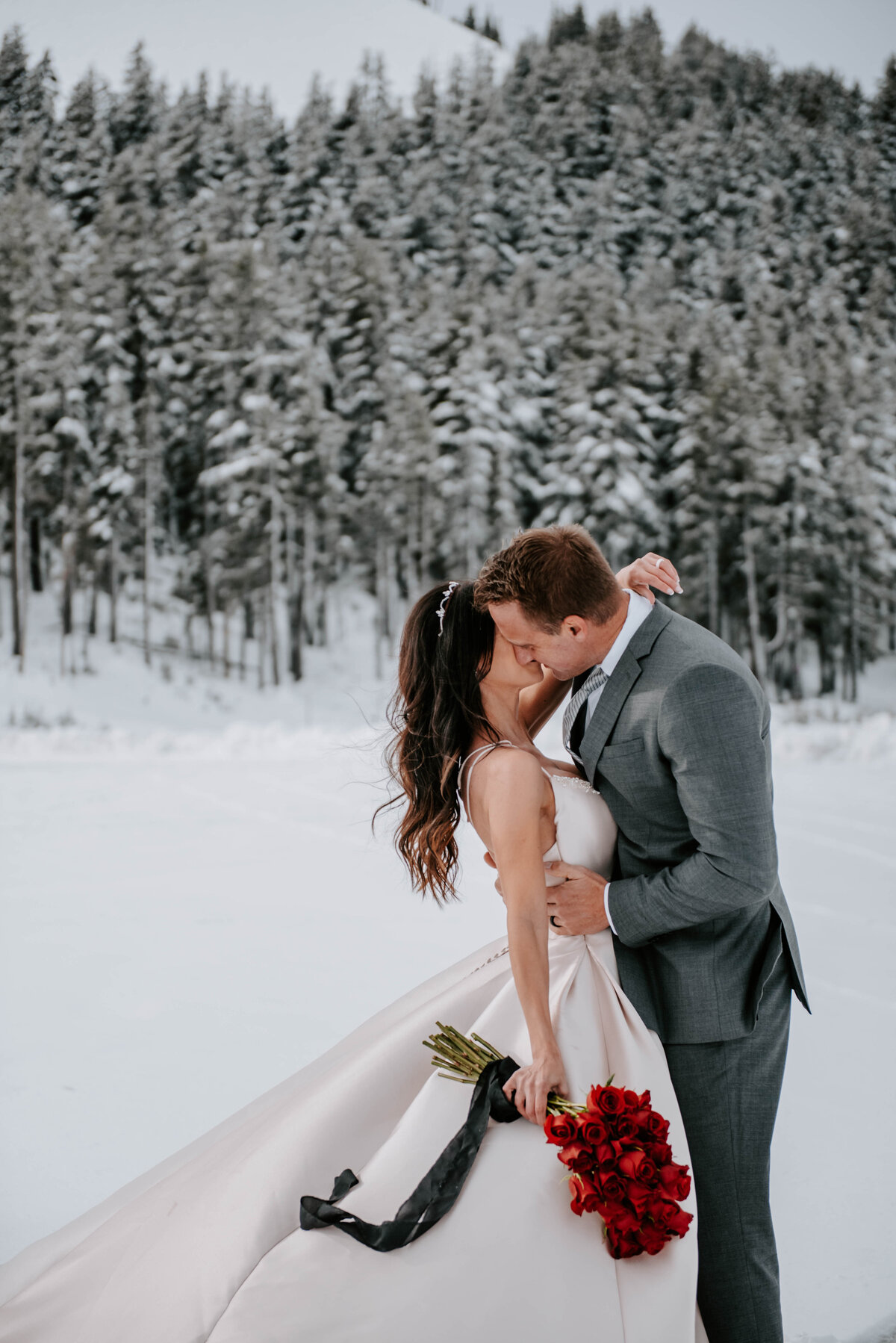 mt-bachelor-snow-winter-elopement-bend-oregon-wedding-photographer-2091
