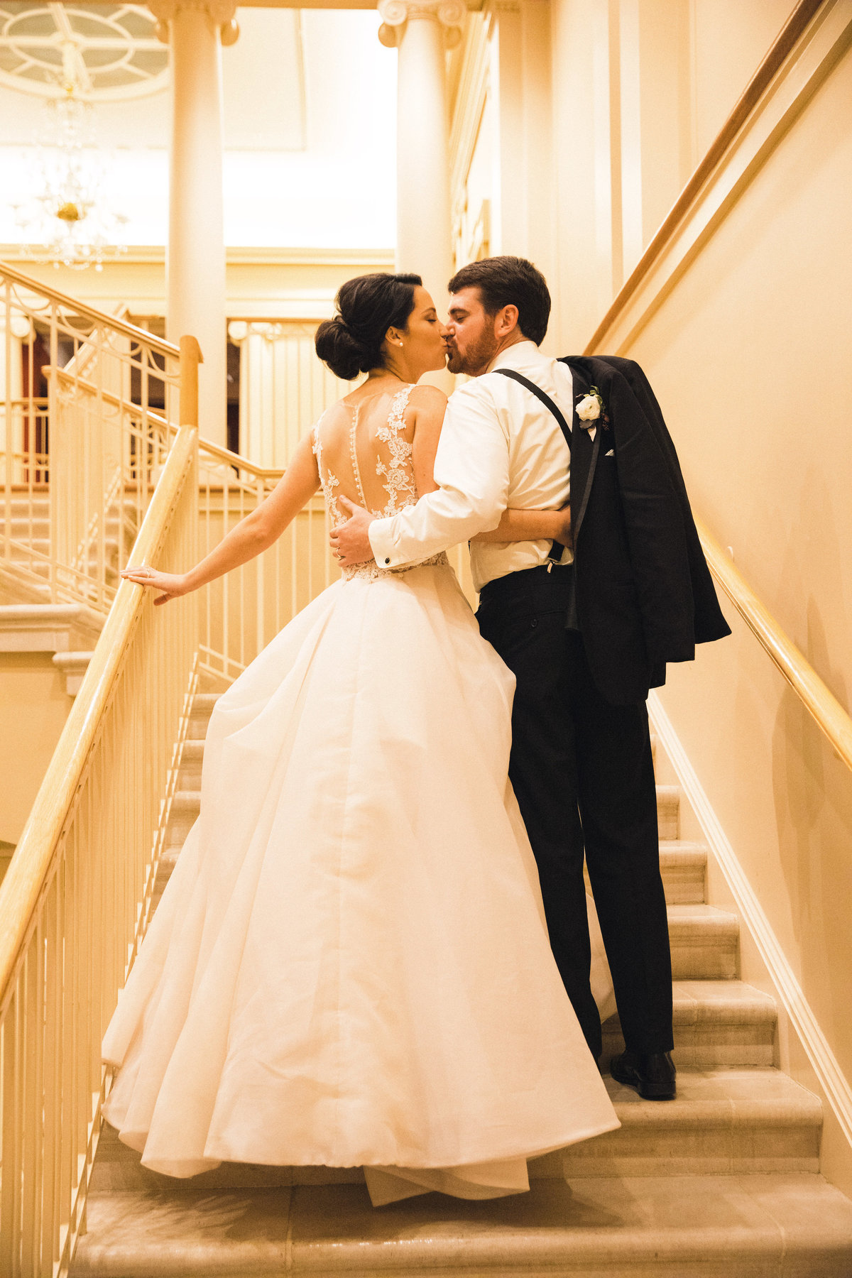 classic bride and groom Winterthur Wilmington Delaware