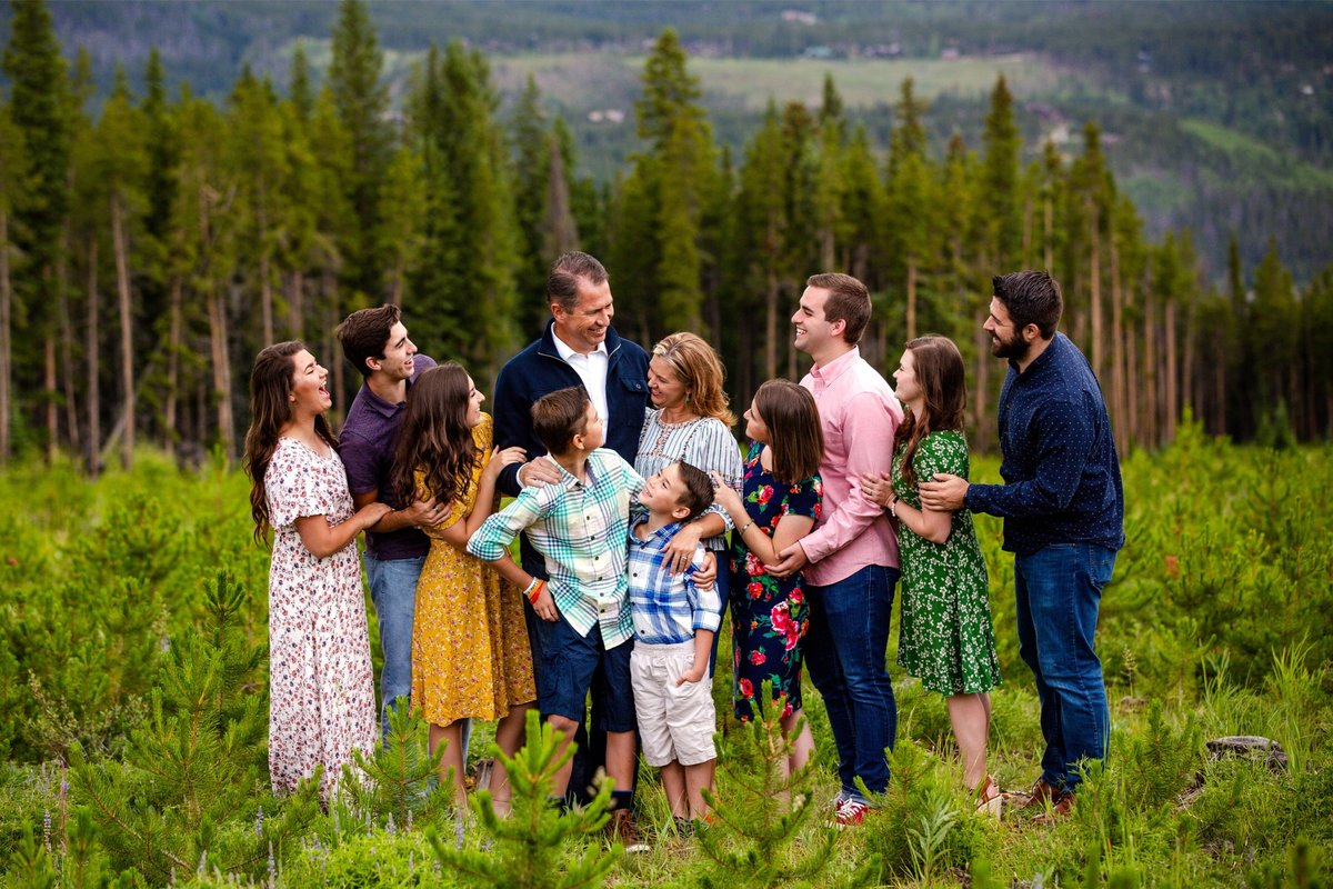 Extended family photography in the mountains Colorado