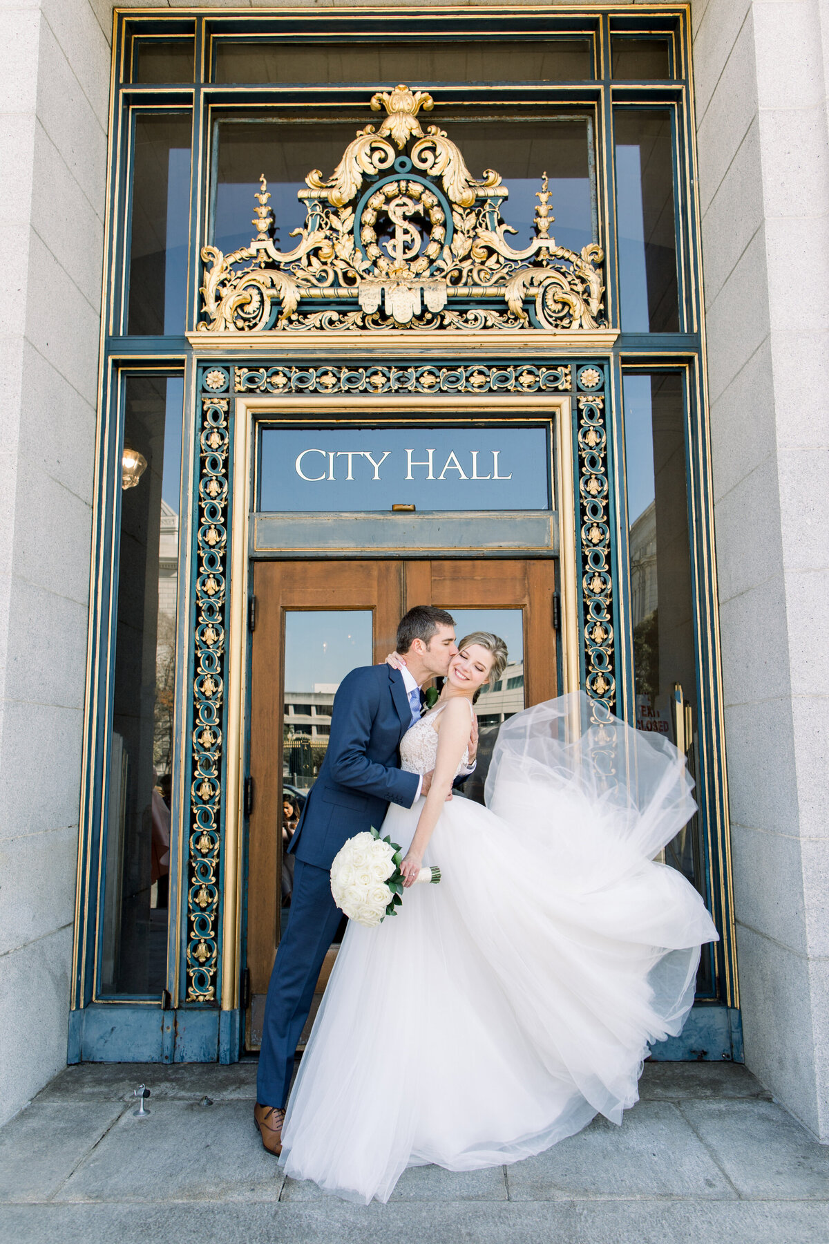 Best_San_Francisco_City_Hall_Wedding_photographer-020