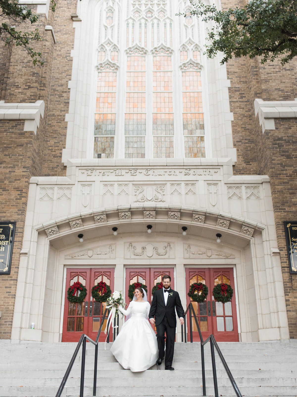 Courtney Hanson Photography - Festive Holiday Wedding in Dallas at Hickory Street Annex-0190