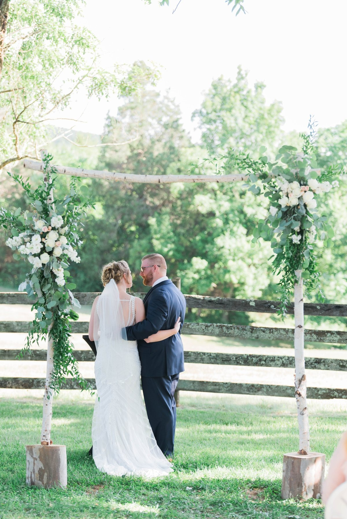 SorellaFarms_VirginiaWeddingPhotographer_BarnWedding_Lynchburgweddingphotographer_DanielleTyler+47(1)