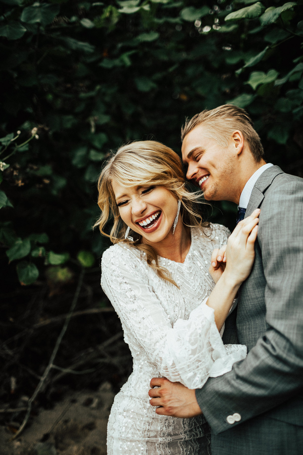north-shore-oahu-hawaii-lindsey-roman-destination-elopement-photographer-2