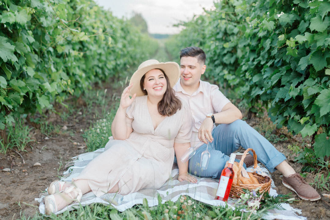 junophoto_old_montreal_vineyard_engagement_session_picnic-002