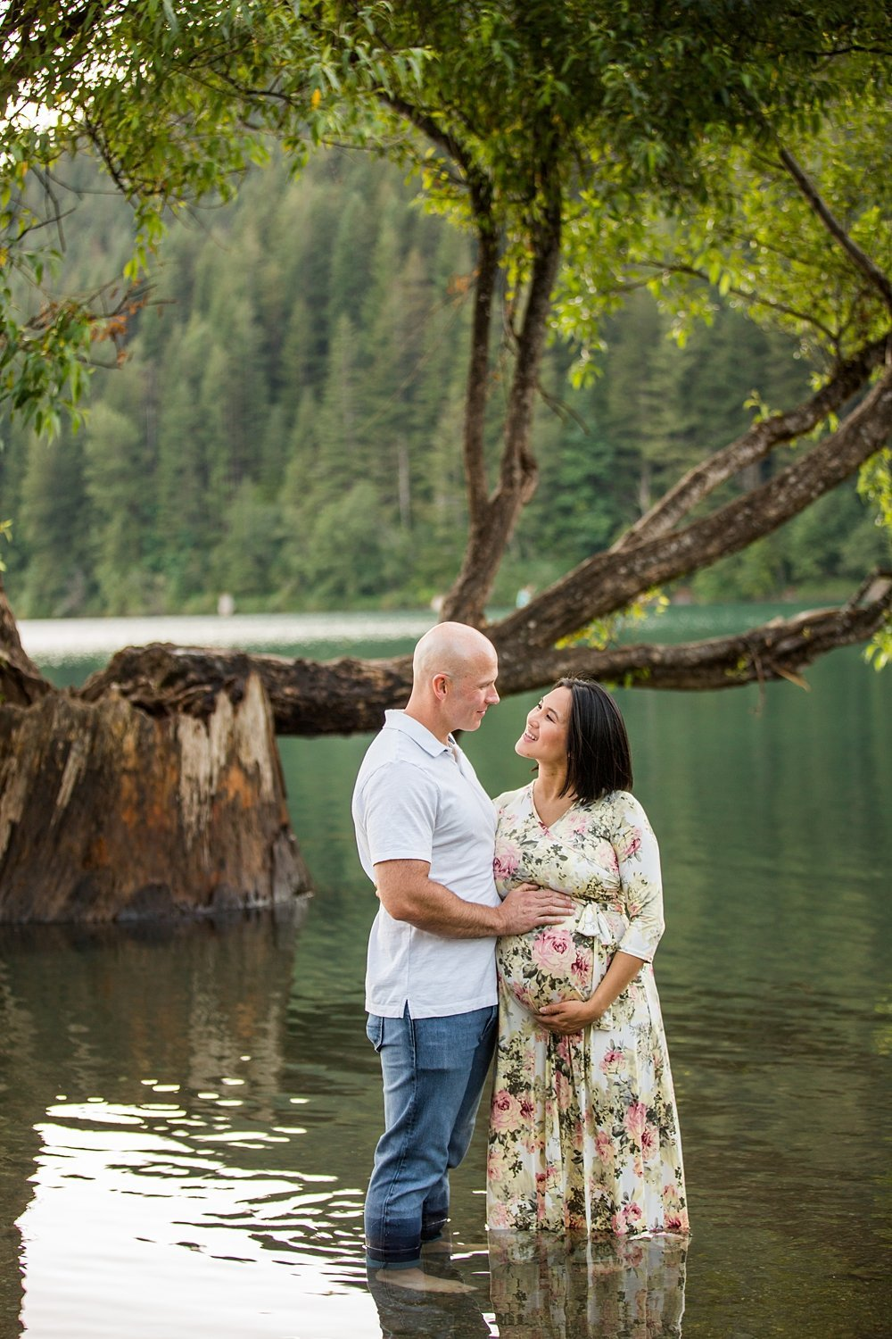 North-Bend-maternity-pictures-Rattlesnake-Lake (3)