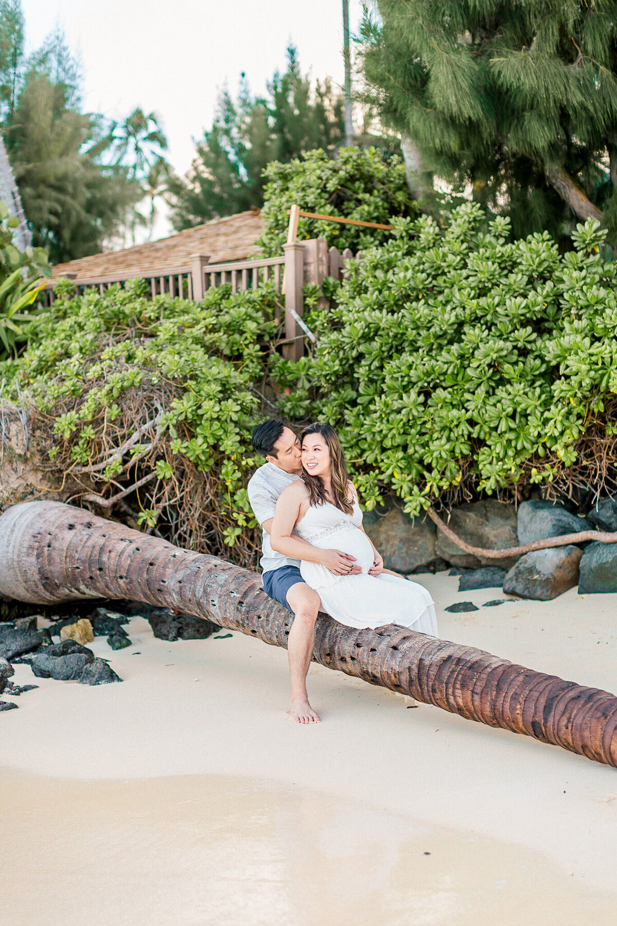 Blog-lanikai beach maternity session by hawaii maternity photographer veronica ilioi photography-0033