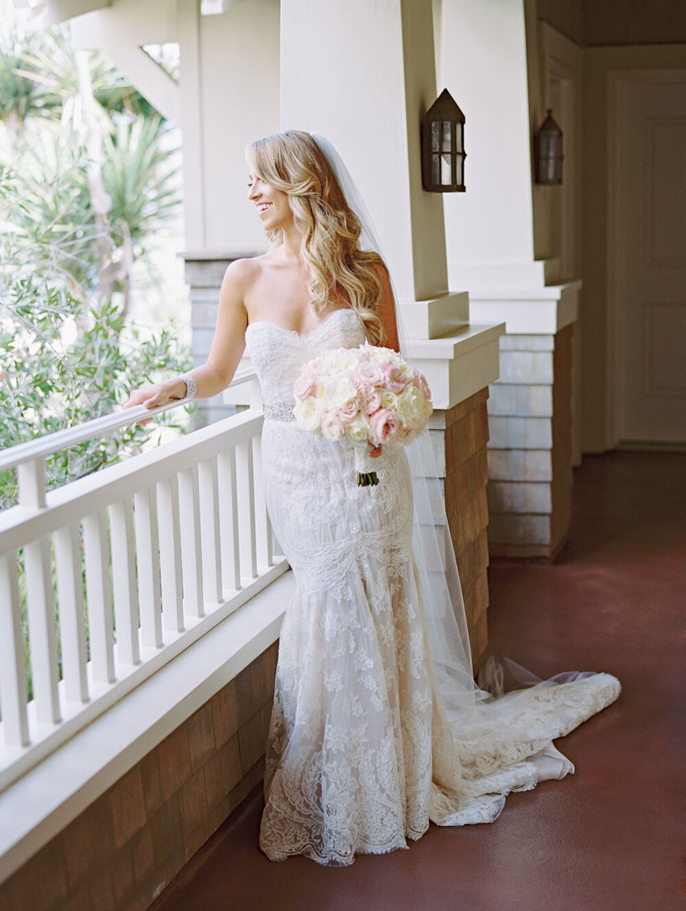 bride_balconey