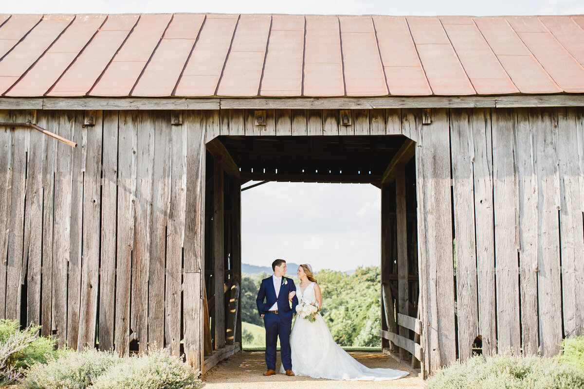 Tara Liebeck Photography Wedding Engagement Lifestyle Virginia Photographer Bright Light Airy105