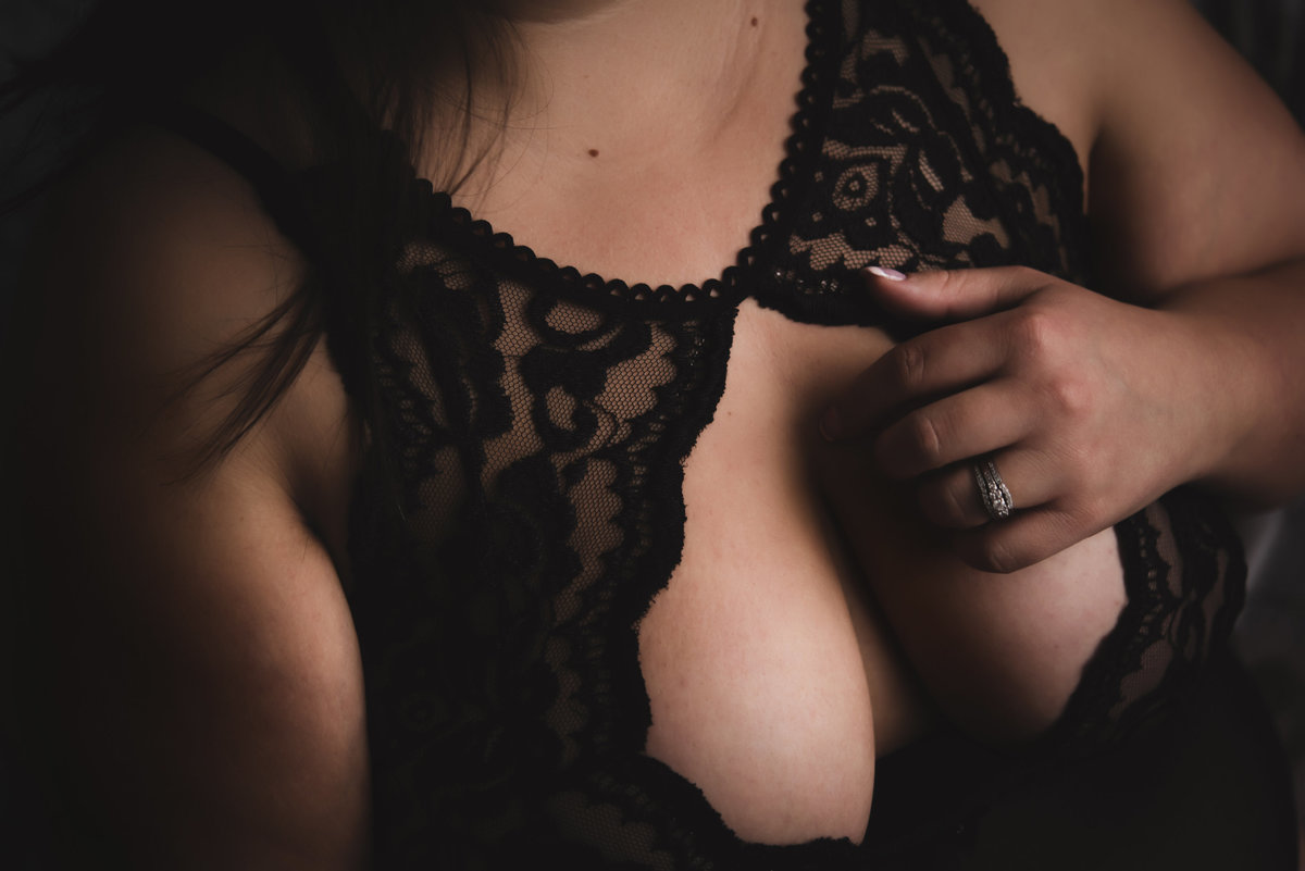 erika-gayle-photography-regina-boudoir-intimate-portrait-photographer-12