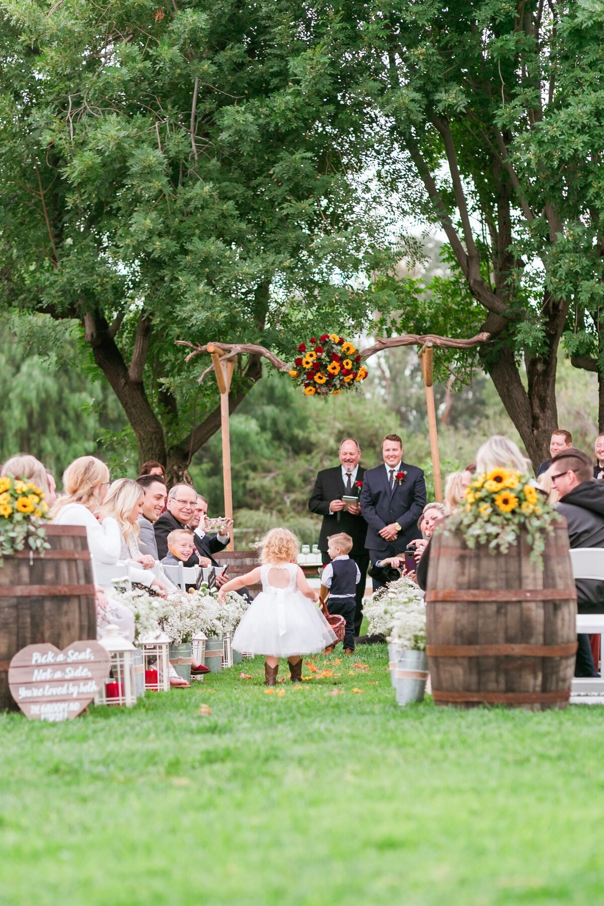 Kelli-Bee-Photography-Gallery-Farm-Southern-CA-Norco-Rustic-Wedding-Luxury-Lifestyle-Photographer-Lauren-Ben-0035