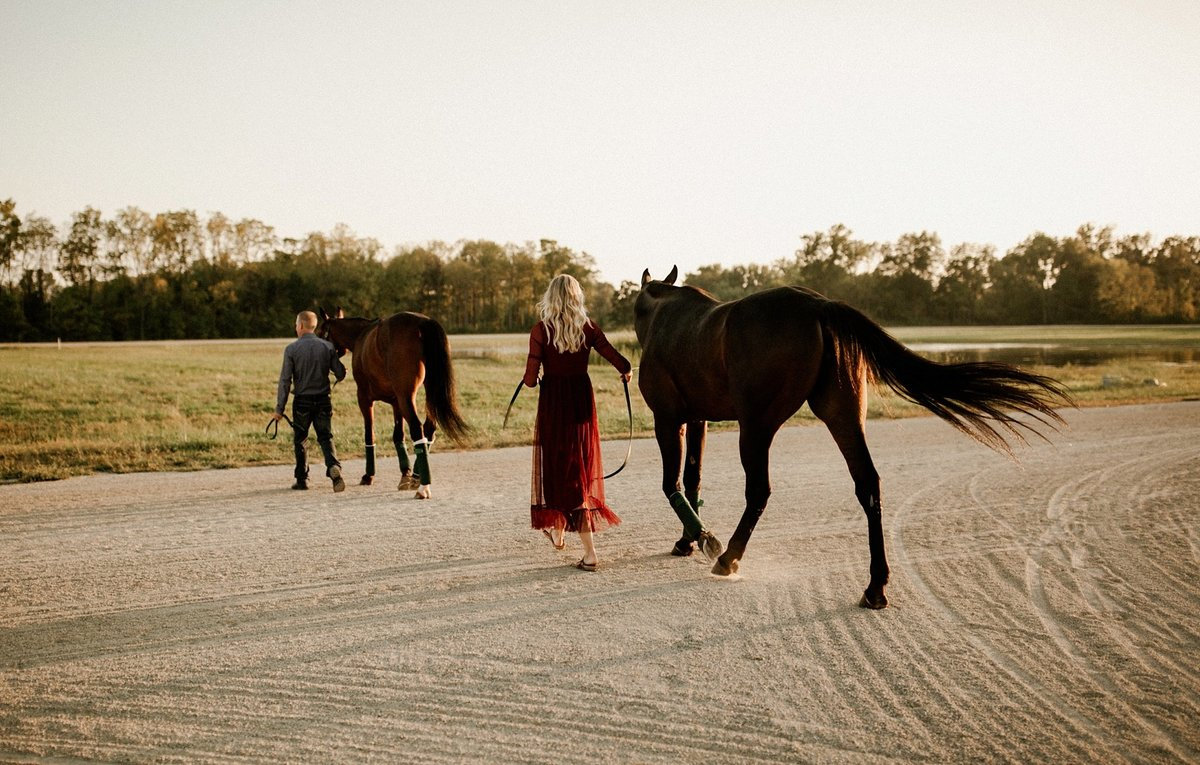 megan-renee-photography-anderson-horse-farm-engagement-session-tabby-john-10