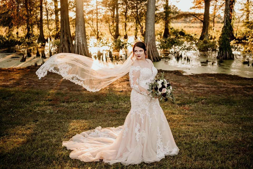 Bride at Faulkner Lake Orchard / Kylie Farmer Photography