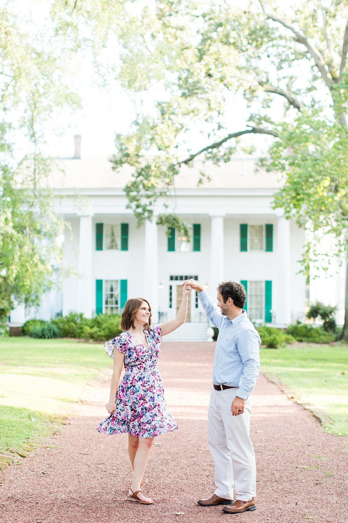 Roswell-Barrington Hall-Engagement-Photos-_0008