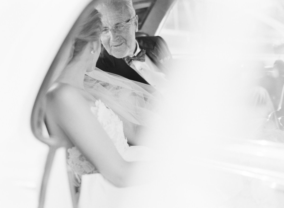 16-KTMerry-weddings-father-bride-travel-ceremoney
