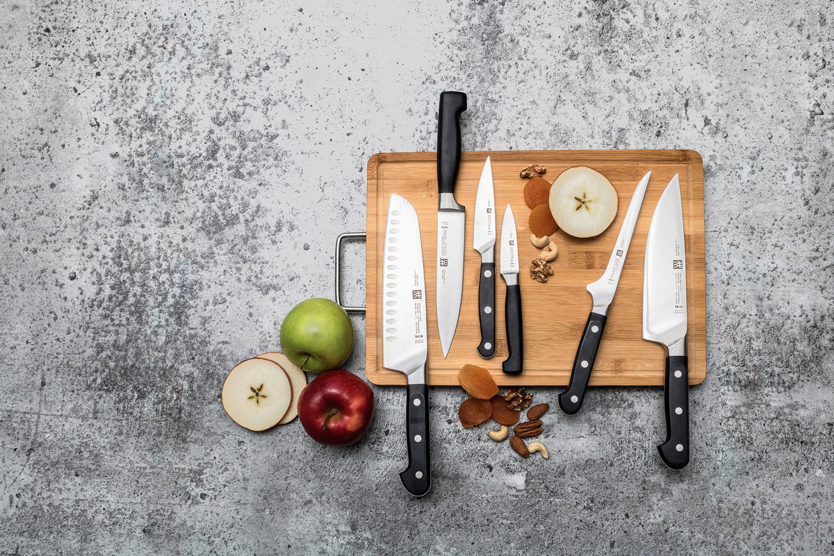 overhead-flatlay-of-knives-styled-by-eceestyle