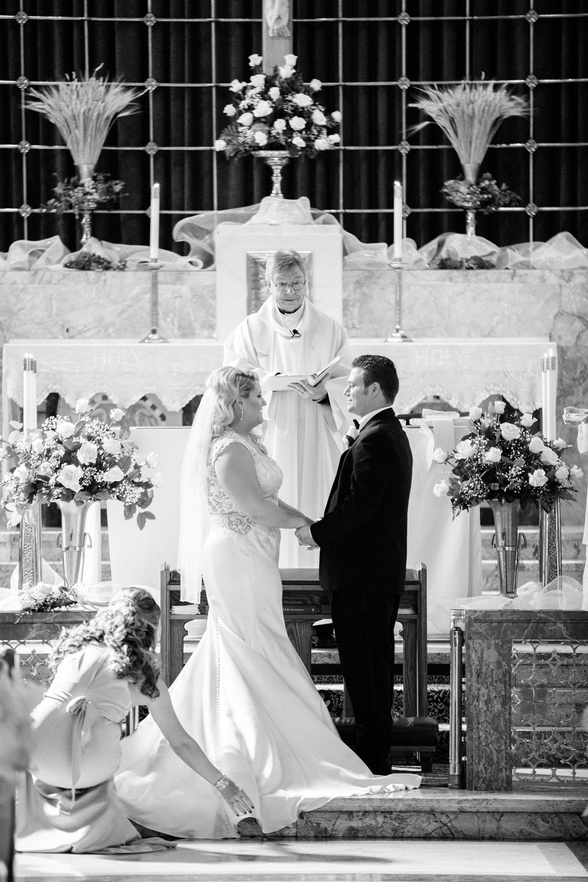 Carly-Johnny-Elegant-Fall-Michigan-Wedding-Breanne-Rochelle-Photography34