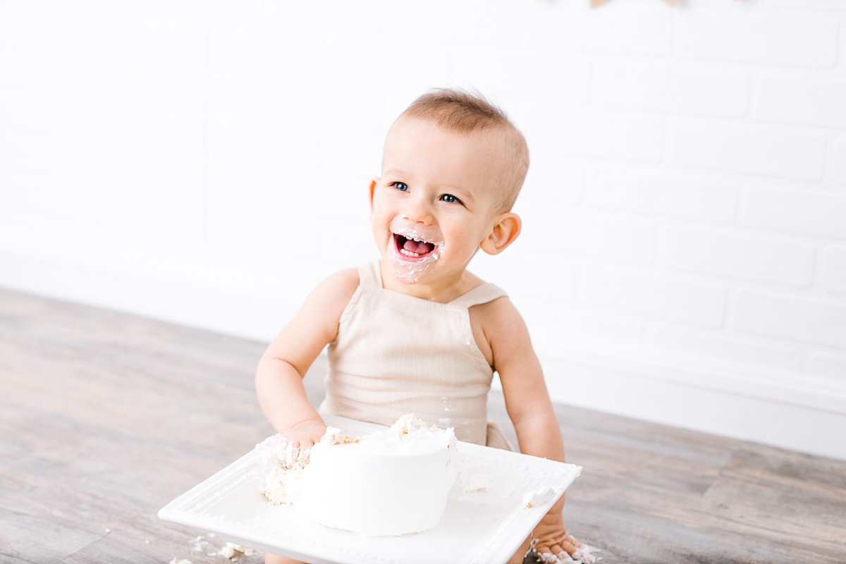 One year old baby boy with birthday cake {Oakville Baby Photographer}