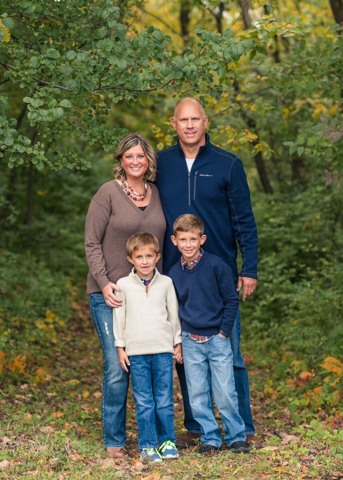 Des-Moines-Iowa-Family-Photographer-Theresa-Schumacher-Photography-Fall-Park-Standing