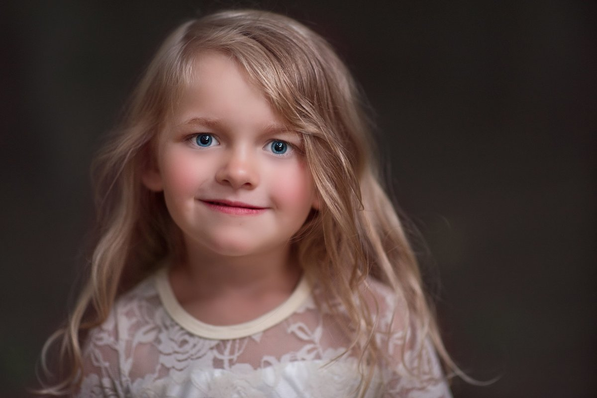 Portrait of Child during family photos in Cle Elum Washington