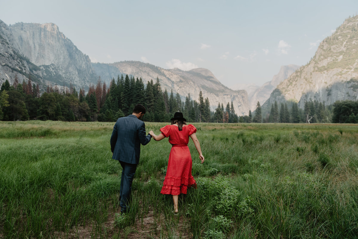 Sunshine_Shannon_Photography_Yosemite_romantic_engagement-2650